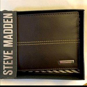 MADDEN BROWN LEATHER BI FOLD PASSCASE WALL…